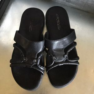 Aerosoles black slide sandals